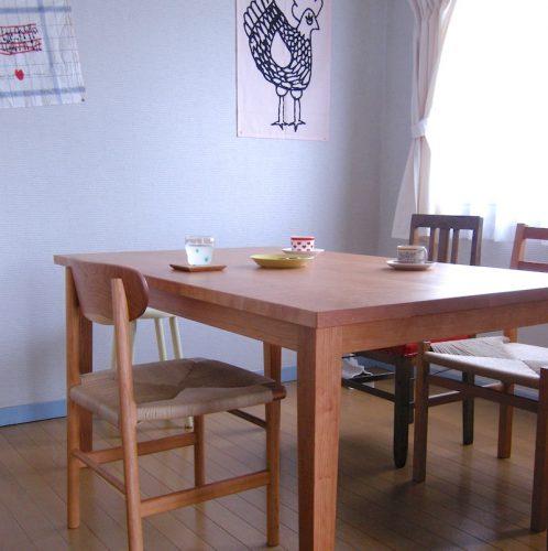 チェリーのスタンダードテーブルとチェアー 納品
