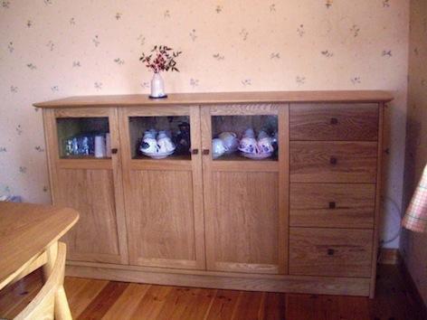 福島県のお客様にお届けした、ナラのカップボードとテレビボード