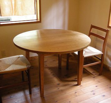 福島県のお客様にお届けしたチェリーの丸テーブル