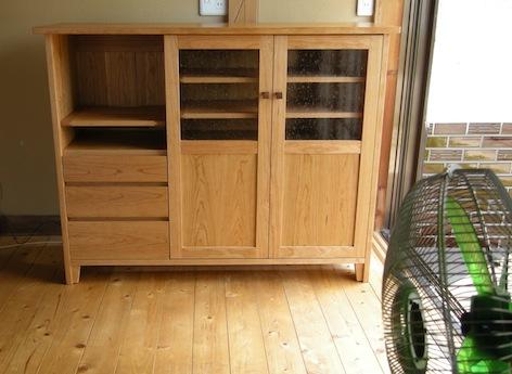 福島県のお客様のチェリーの食器棚