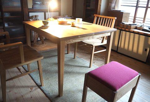 宇都宮市のお客様へナラのダイニングテーブルとチェアーをお届け