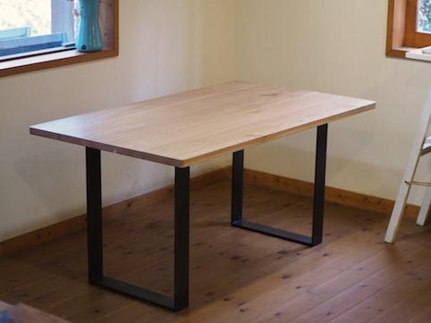 東京都のお客様にお届けした鉄脚のテーブル