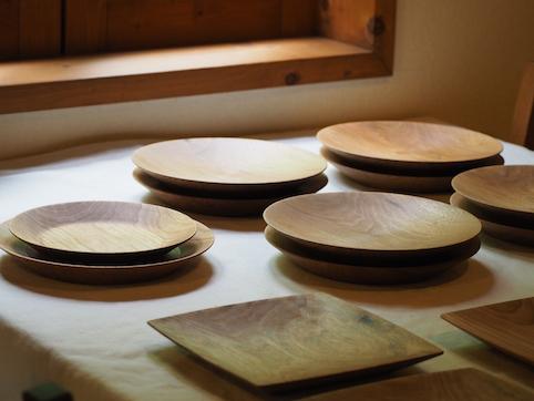宇都宮市のお客様に製作させて頂いた丸皿、角皿