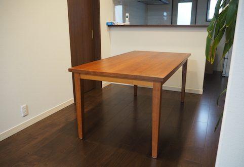 東京都のお客様にチェリーのダイニングテーブルをお届け