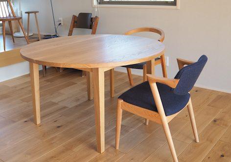 茨城県のお客さまにお届けしたナラの丸テーブル