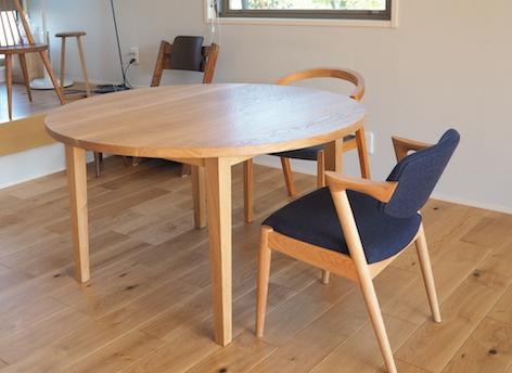 茨城県のお客さまにお届けしたナラのラウンドテーブル
