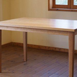 那須町のお客様にお届けしたチェリーのダイニングテーブル