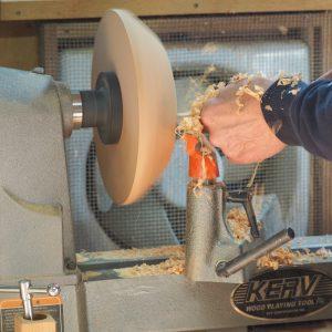 木工旋盤加工中