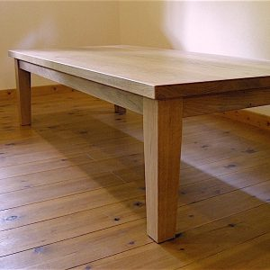 ナラのリビングテーブル