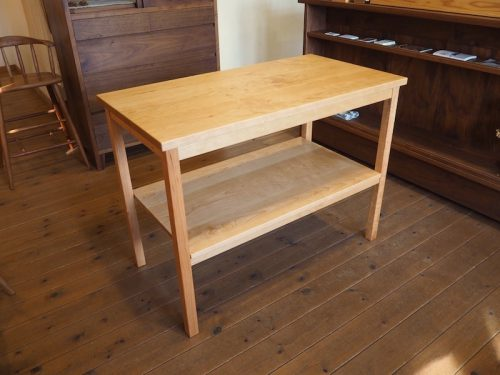 チェリーのキッチンサイドテーブル2