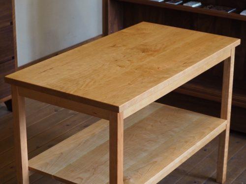 チェリーのキッチンサイドテーブル3