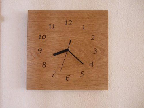 木の時計 四角 数字の文字盤 ナラ