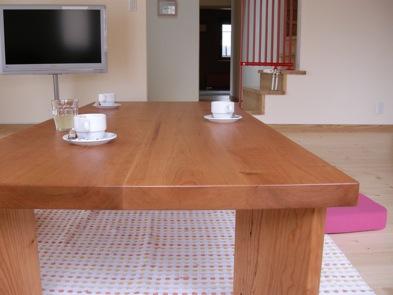 チェリーのローテーブル