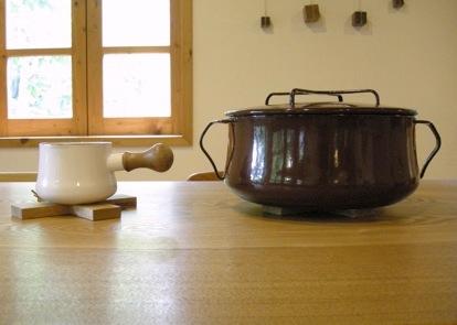 木の鍋敷き